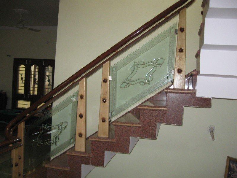 Vetrate artistiche per scale parapetti e pensiline - Scale in vetro ...