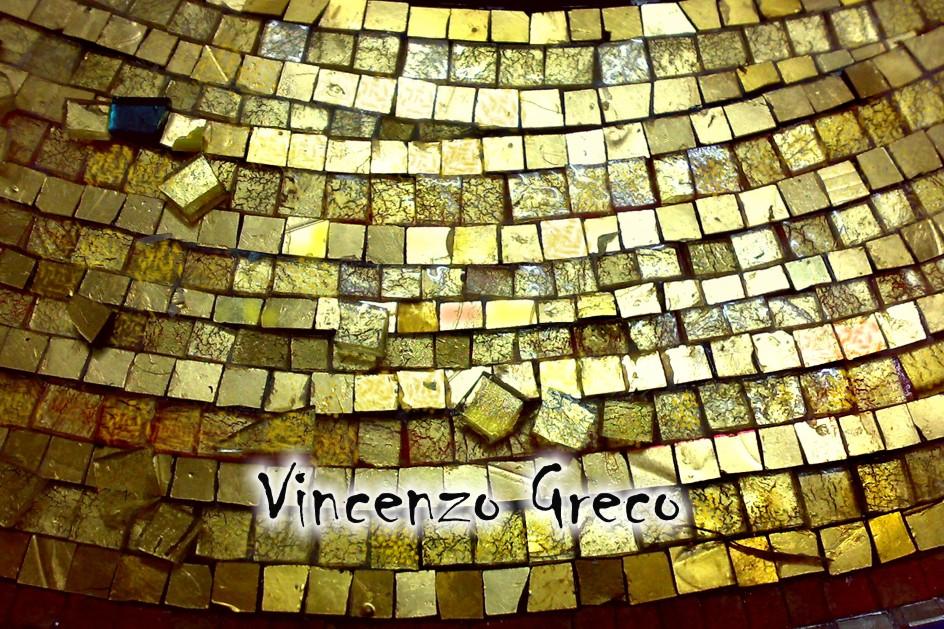 Produzione tessere in oro per mosaico arredi domestici di lusso