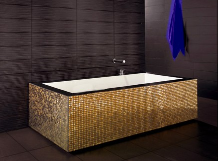 Produzione tessere in oro per mosaico arredi domestici di lusso - Bagno moderno mosaico ...